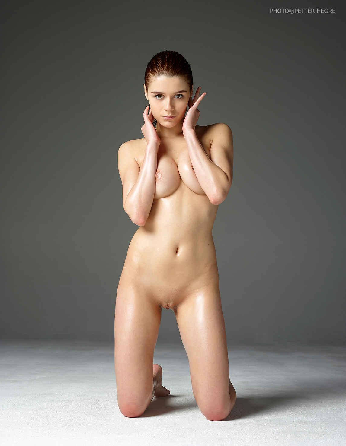 Kloe Voluptuous Venus Hegre Art