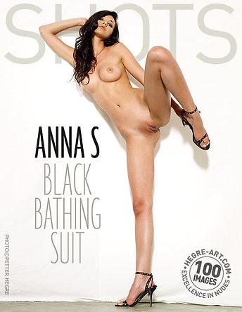 Anna S schwarzer Badeanzug