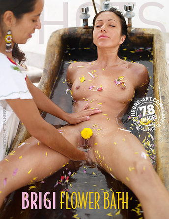 Brigi bain de fleurs