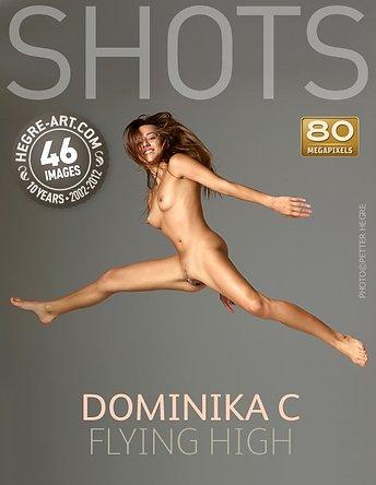 Dominika C volando alto