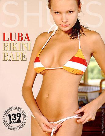 Luba nana au bikini