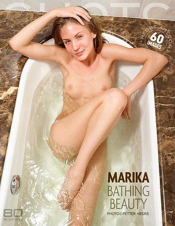 Marika badende Schönheit