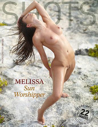 Melissa adoradora del sol