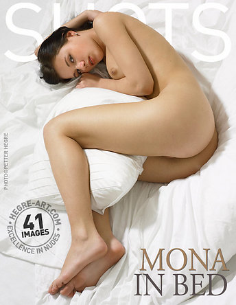 Mona en la cama