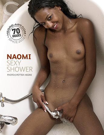 Naomi ducha sexy
