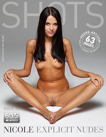 Nicole desnudos explícitos