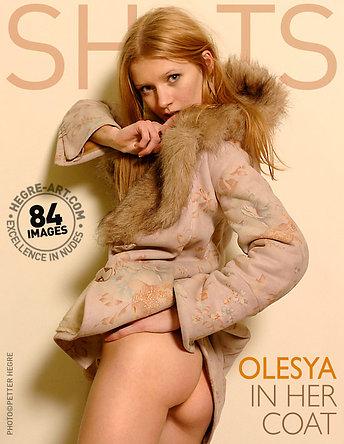 Olesya dans son manteau