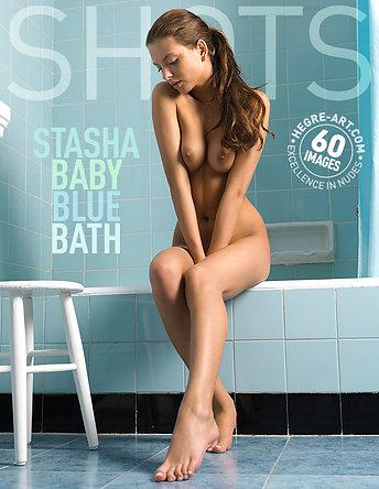 Stasha babyblaues Bad