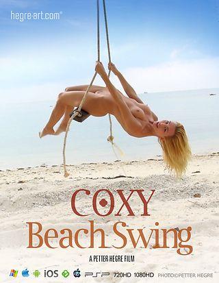 Coxy Va et vient sur la plage