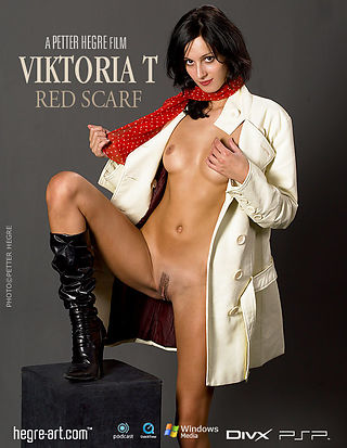Viktoria Red Scarf