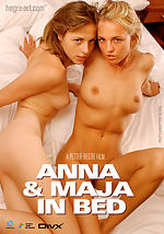 Anna und Maja im Bett