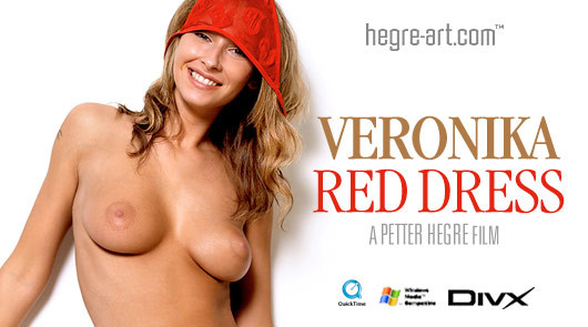 Veronika Robe rouge