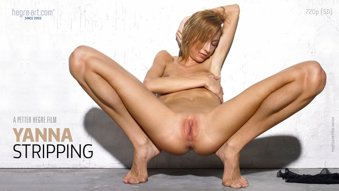 Yanna Striptease