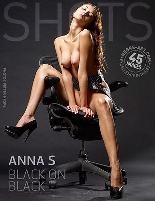 Anna S noir sur noir