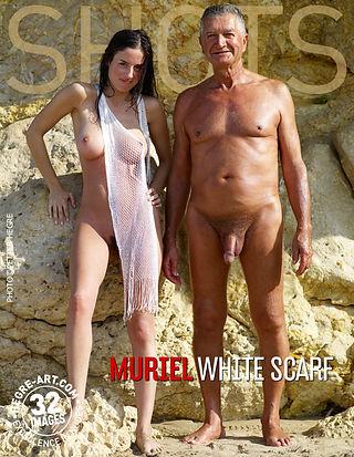 Muriel mascada blanca