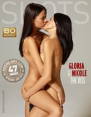Gloria and Nicole the kiss