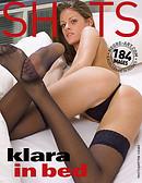 Klara en la cama