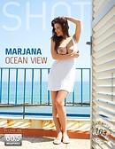 Marjana vue sur l'océan