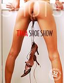 Tina exhibición con zapatos
