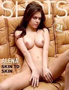 Alena peau contre peau