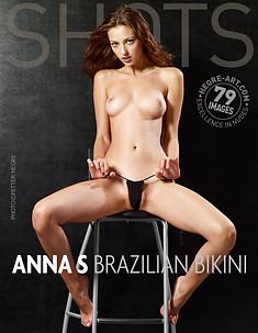 Anna S bikini brasileño