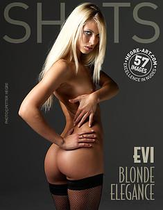 Evi blond elegance