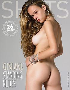 Gislane desnudos de pie