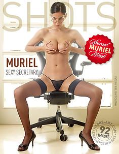 Muriel Sexy Sekretärin