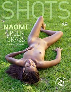 Naomi césped verde