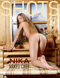 Nika Nackte Köchin