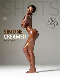 Simone eingekremt