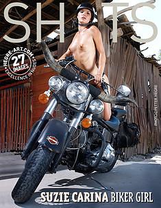 Suzie Carina Motorrad-Mädchen
