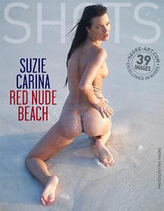 Suzie Carina playa nudista