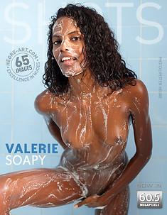 Valerie enjabonada