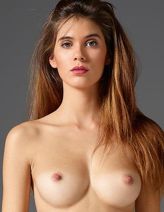 Victoria R