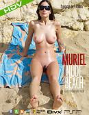 Muriel Desnuda en la playa