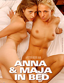 Anna & Maja en la cama