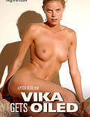 Vika Gets Oiled