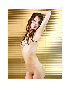 Caro Hot Wet