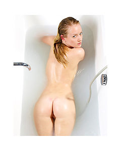 Mia Bathing Part2